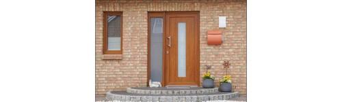 Panel termoizolant ornamental pentru uși PVC